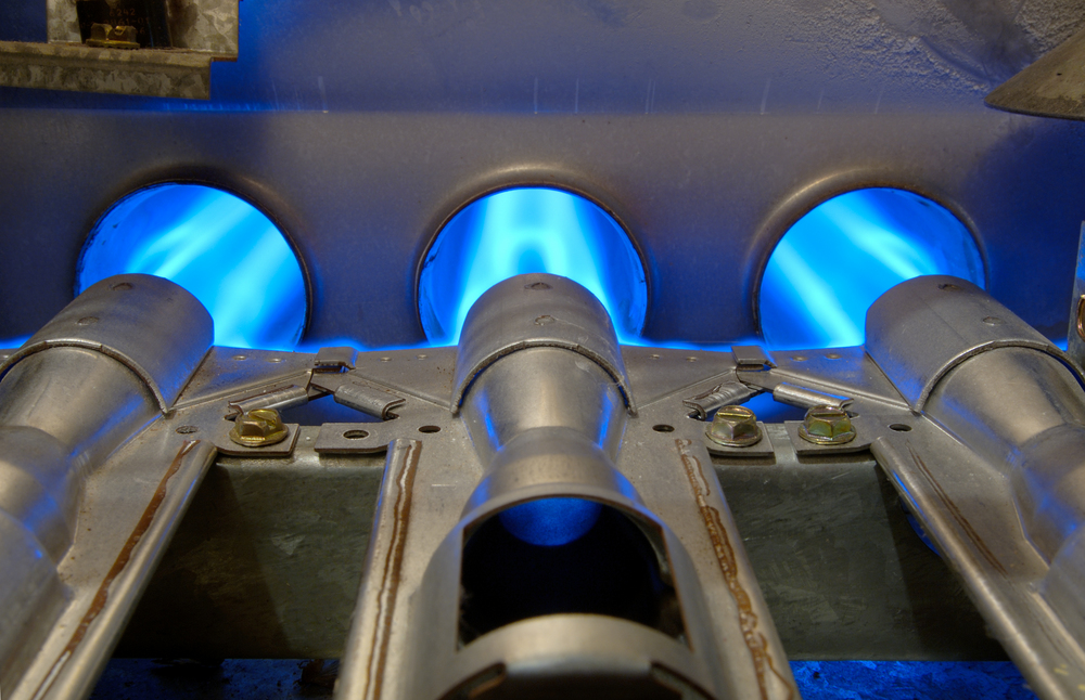 Furnace burners with blue flames